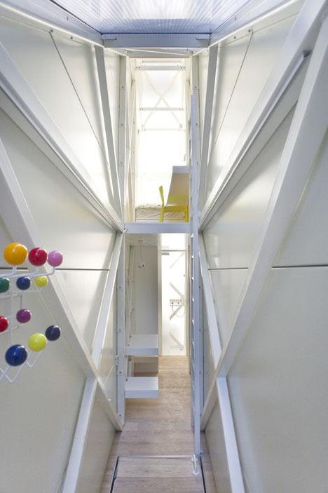 das schmalste haus der welt energieleben. Black Bedroom Furniture Sets. Home Design Ideas