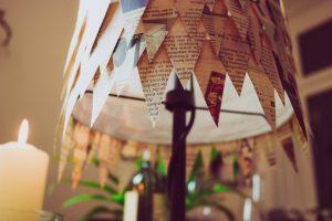Lampe aus alten Zeitungen